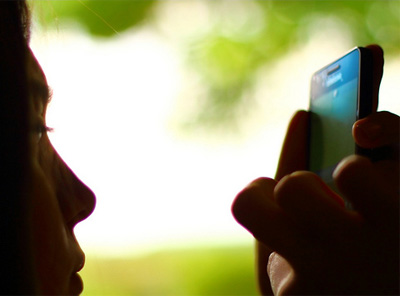 Mobile ad growth to eclipse online video, reach $177m by 2017