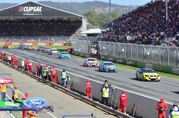Clipsal 500 race