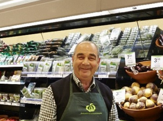 Woolworths remains Australia's most valuable brand despite 17% drop
