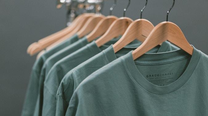minimalist clothing consumerism